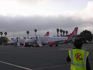 ナイロビ ジョモ=ケニアッタ空港からキスムへ